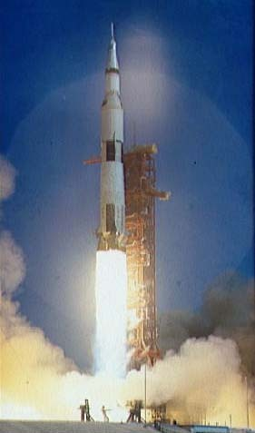 Apollo_launch_1